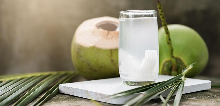 Nước dừa để qua đêm được không, để tủ lạnh được bao lâu ?